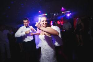Novios Baile discoteca móvil xcn el dia de su boda