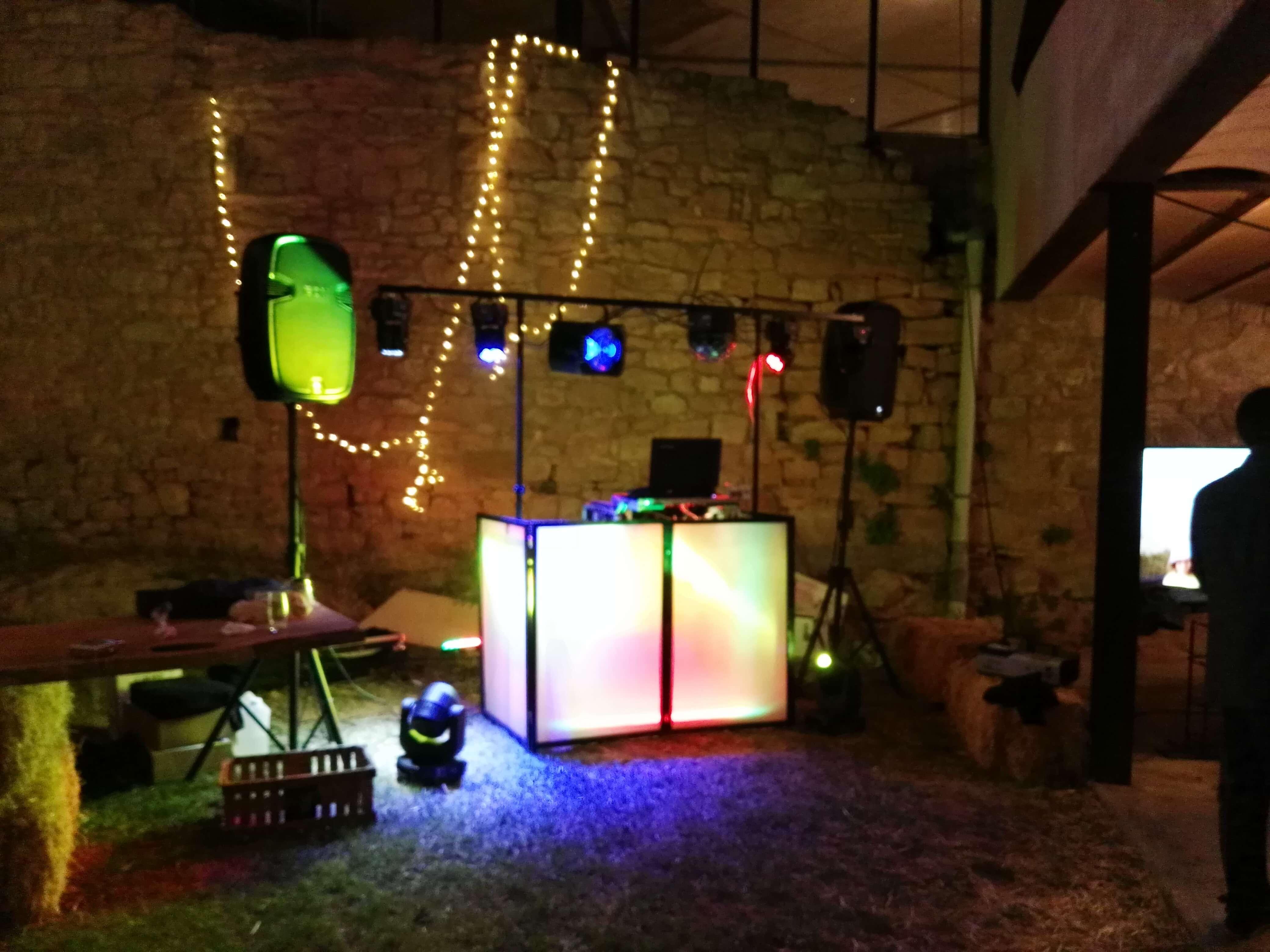 Muestra de sonido e iluminación de discoteca movil Xcn